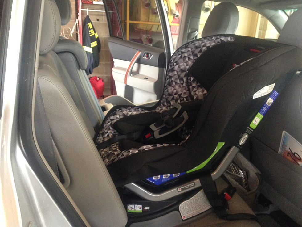 Missoula Rural Fire Department Holds Child Car Seat Clinic