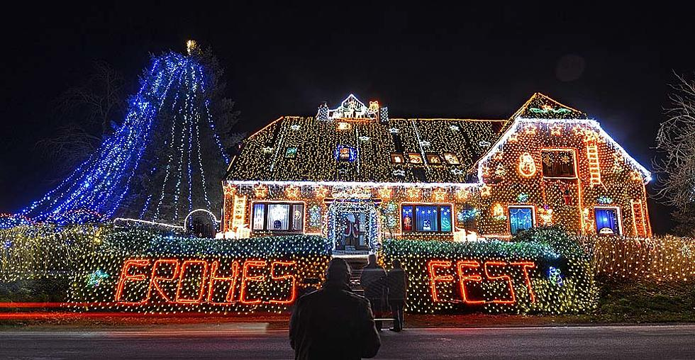 Top 5 House Christmas Lights Displays in U.S. – Buffalo Made the List!