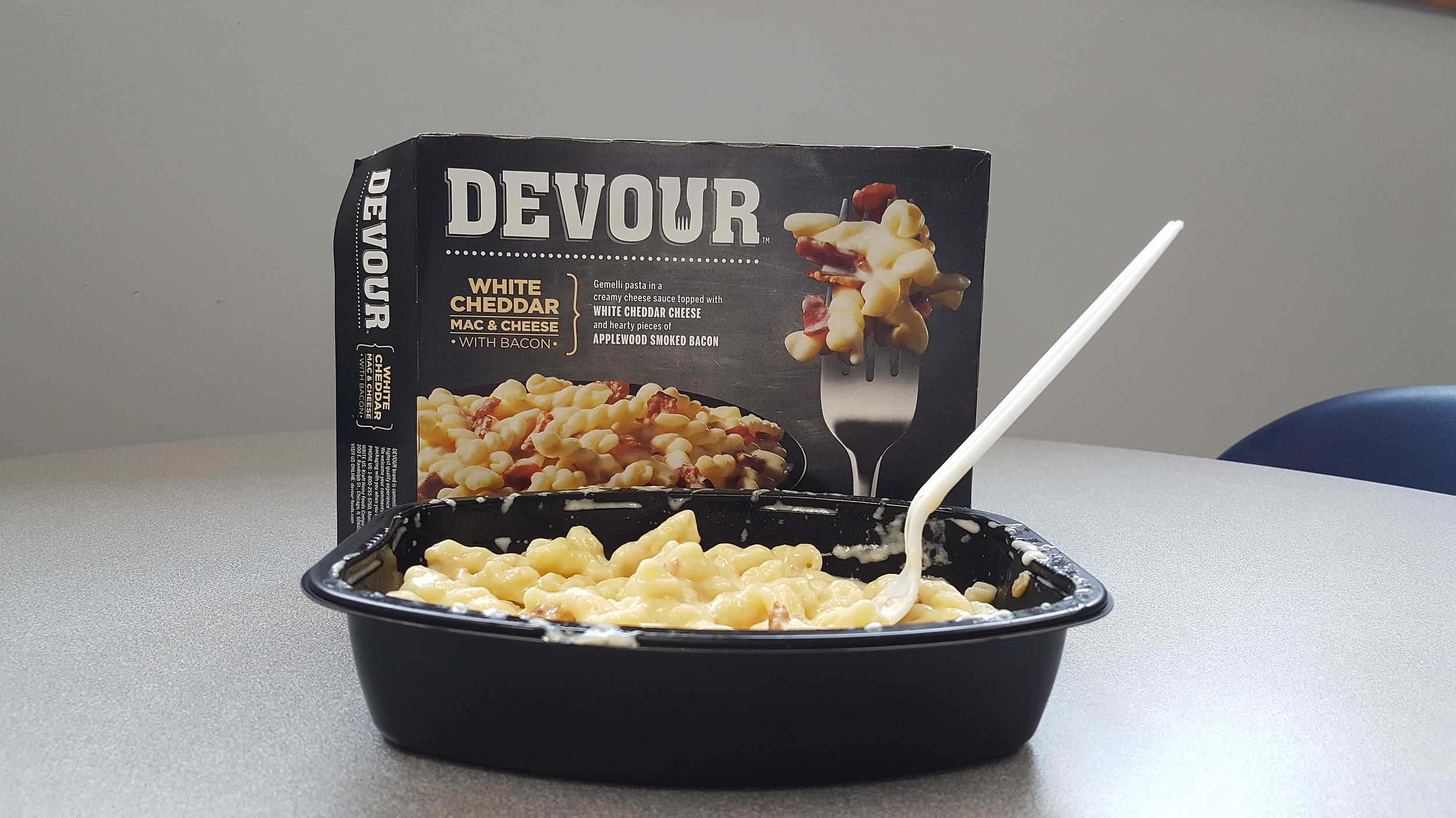 Food Review Devour White Cheddar Mac Cheese With Bacon