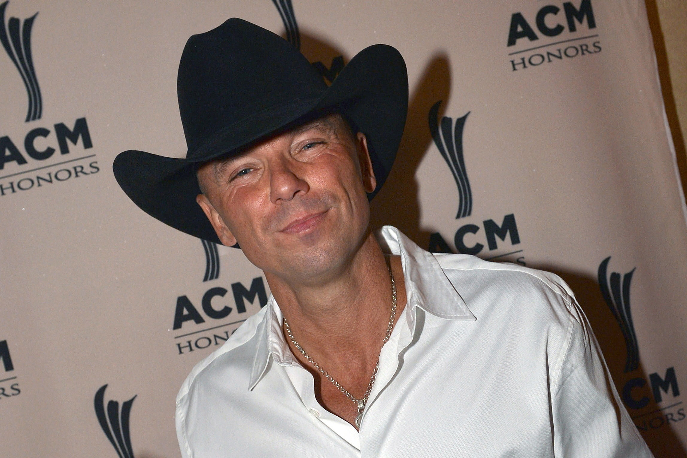 No. 19: Kenny Chesney, \'All I Want for Christmas Is a Real Good Tan ...