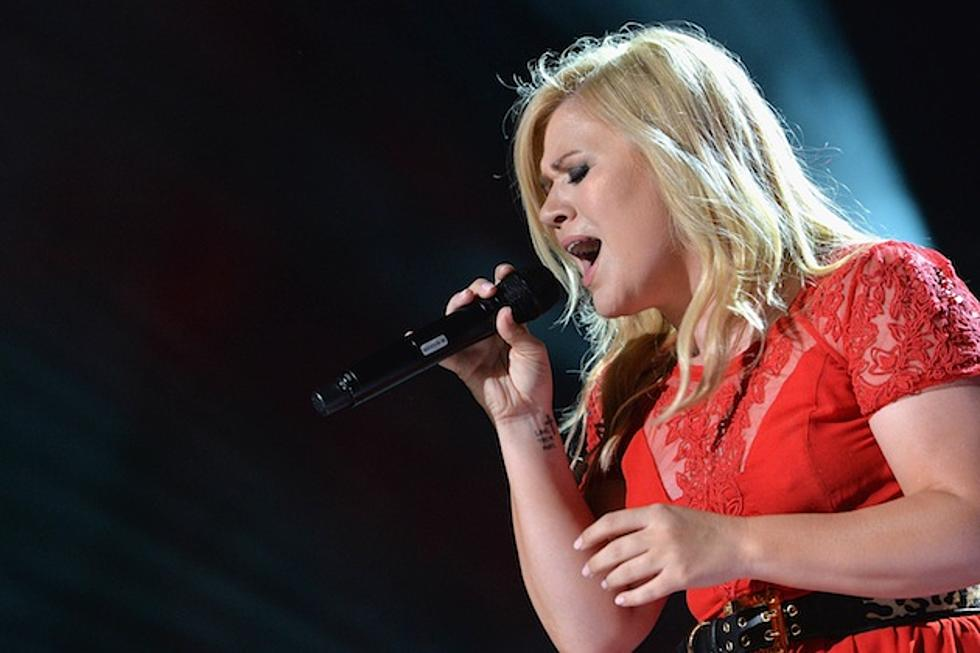 Kelly Clarkson\'s \'Cautionary Christmas Music Tale\' Airs Tonight