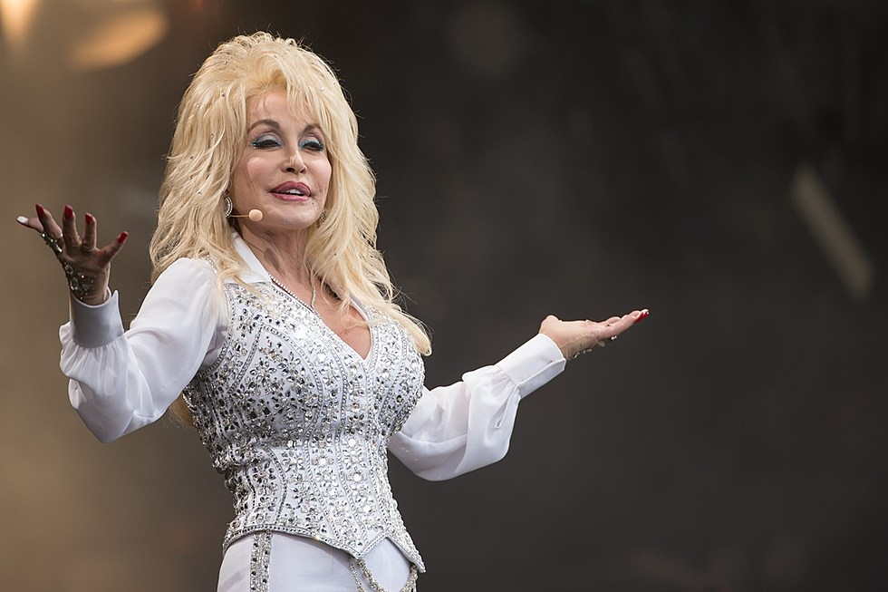 Dolly-Parton.jpg?w=980&q=75