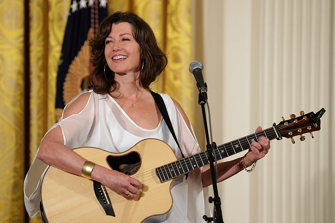Amy Grant to Release Christmas Album, \'Tennessee Christmas\'