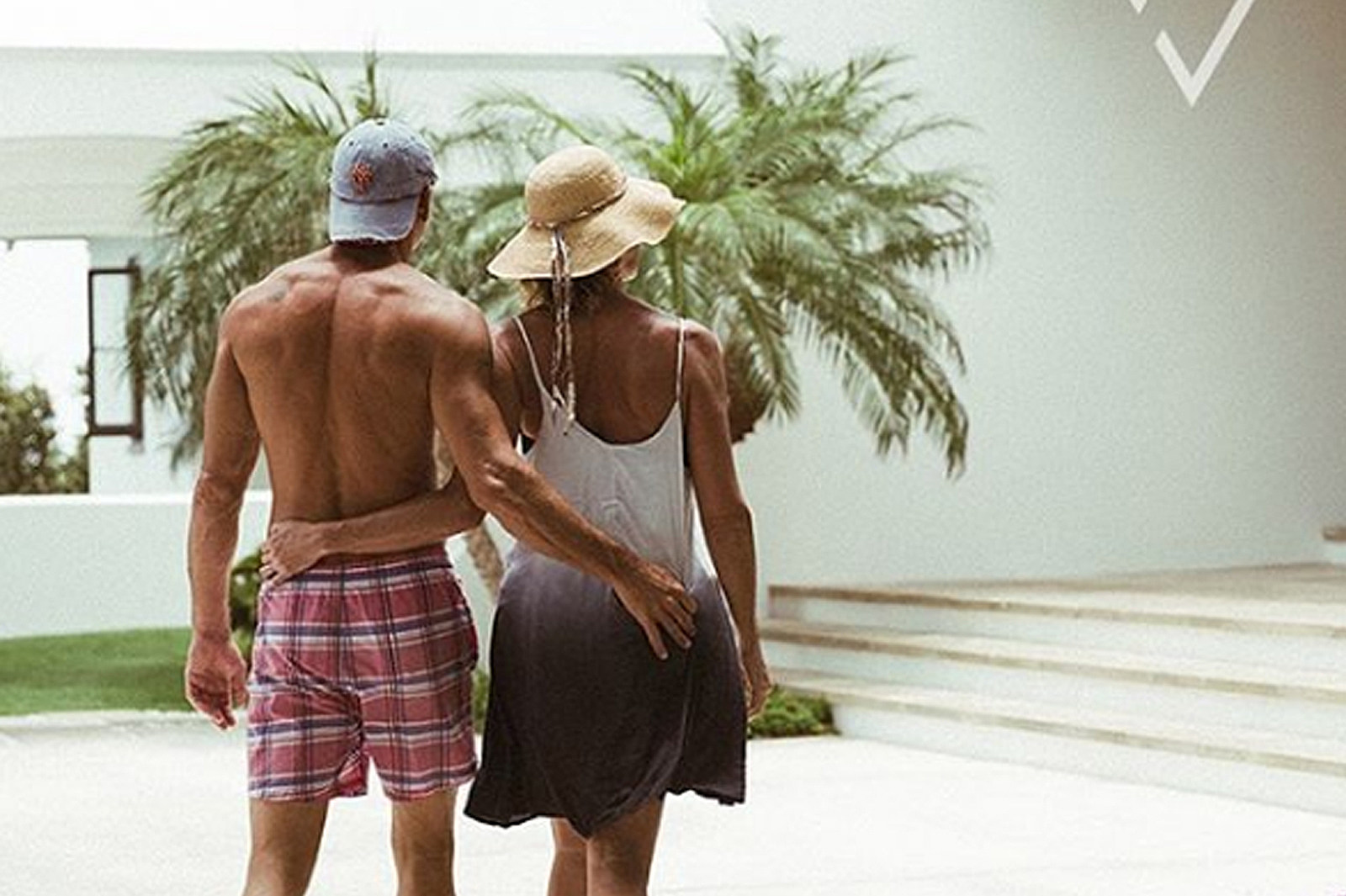 Tim Mcgraw Faith Hill Share More Sexy Vacation Photos