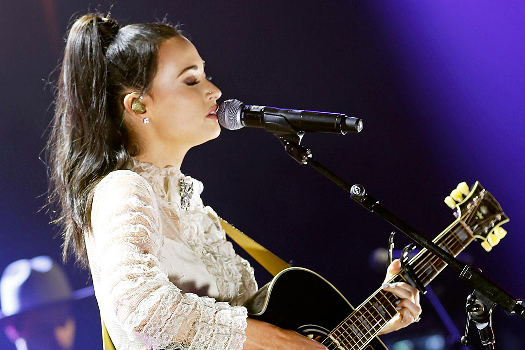 Album Review: Kacey Musgraves\' \'Golden Hour\' Is Fun, Reflective