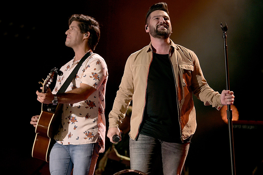 Dan Shay Show Off Harmonies In Vocals Only Speechless