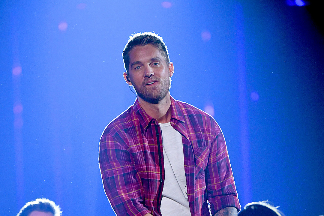Brett Young Wows With Emotional Cma Awards Performance Of Mercy