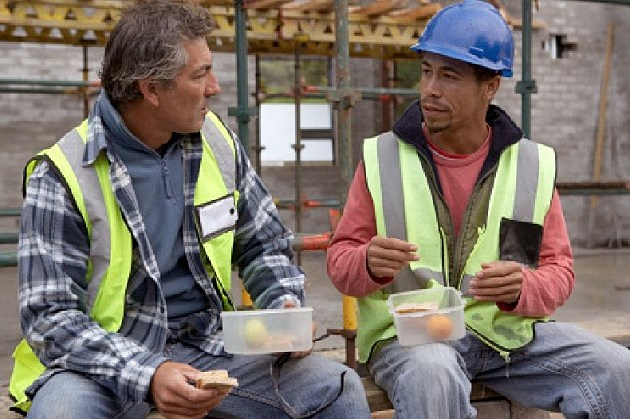 Lunch brake for two workers