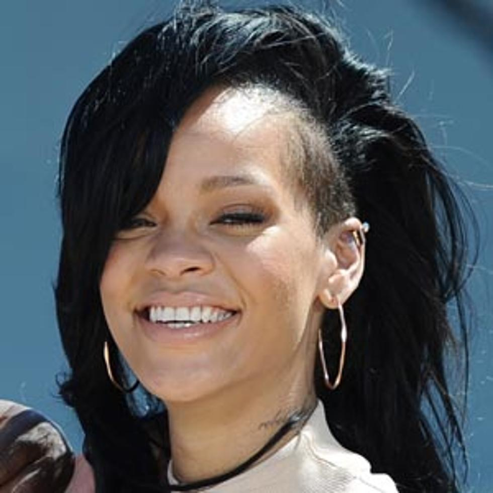 Shaved Sides – Best Rihanna Hairstyles