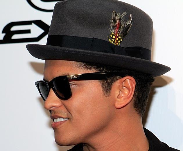 Bruno Mars Is a Man of Many Hats  PHOTOS  dd239ca02fa