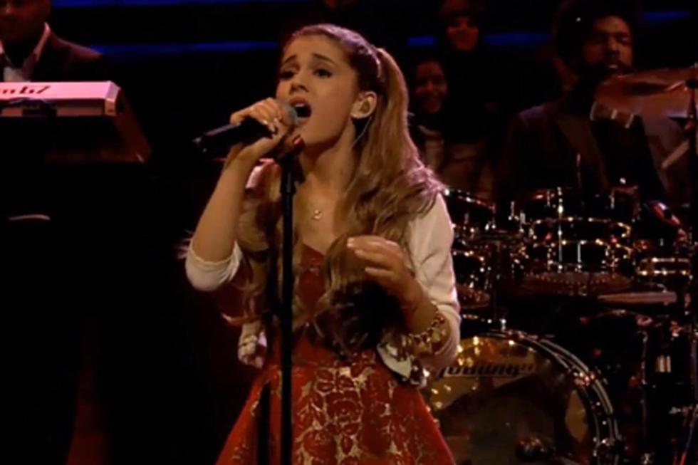Ariana Grande \'Last Christmas\' on \'Jimmy Fallon\' [VIDEO]