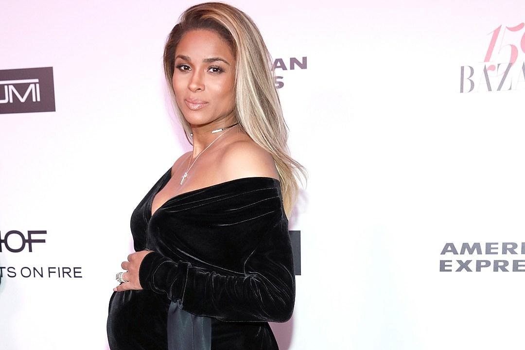 Celebrity Baby Bumps Of 2017 Photos