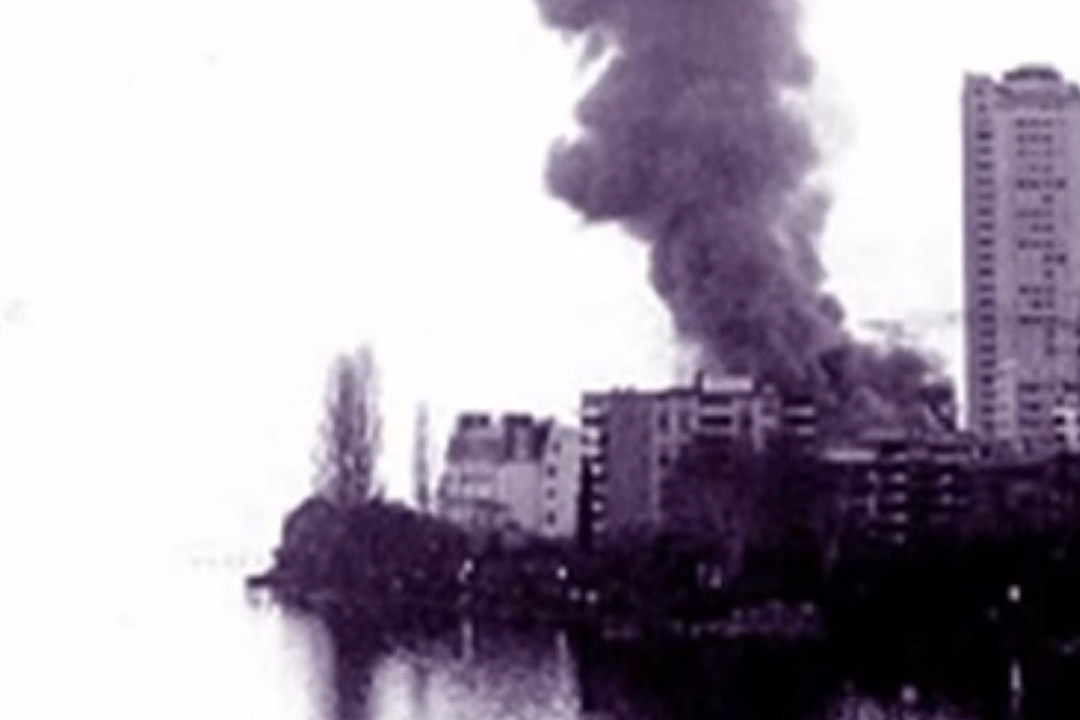 How A Frank Zappa Concert Fire Inspired Smoke On The Water