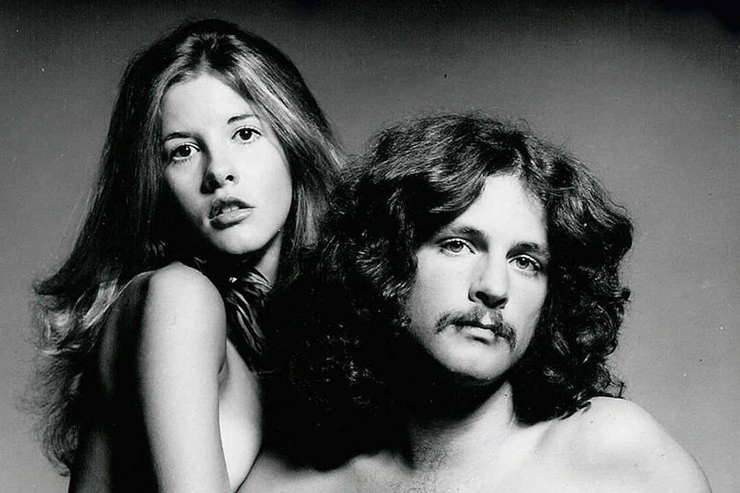 the day lindsey buckingham and stevie nicks both joined fleetwood mac