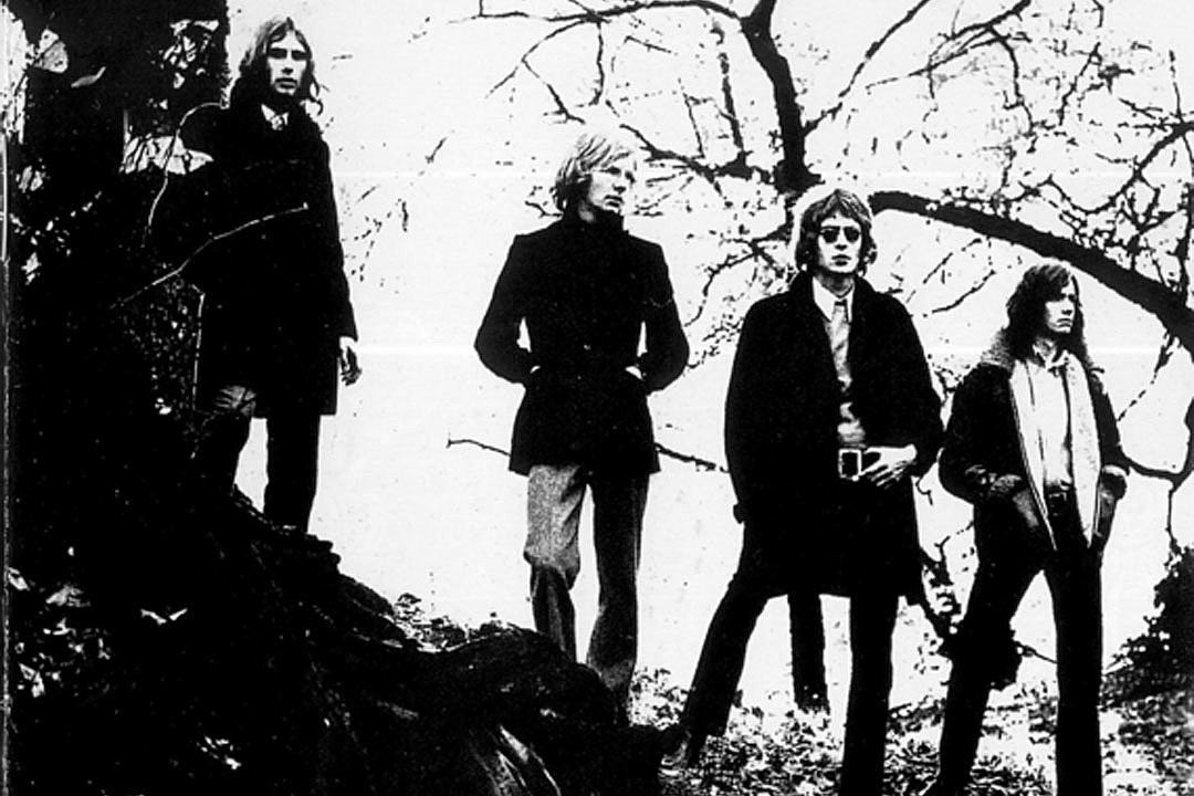 why wishbone ash doubled up for their debut With Boy Bands 3 Members