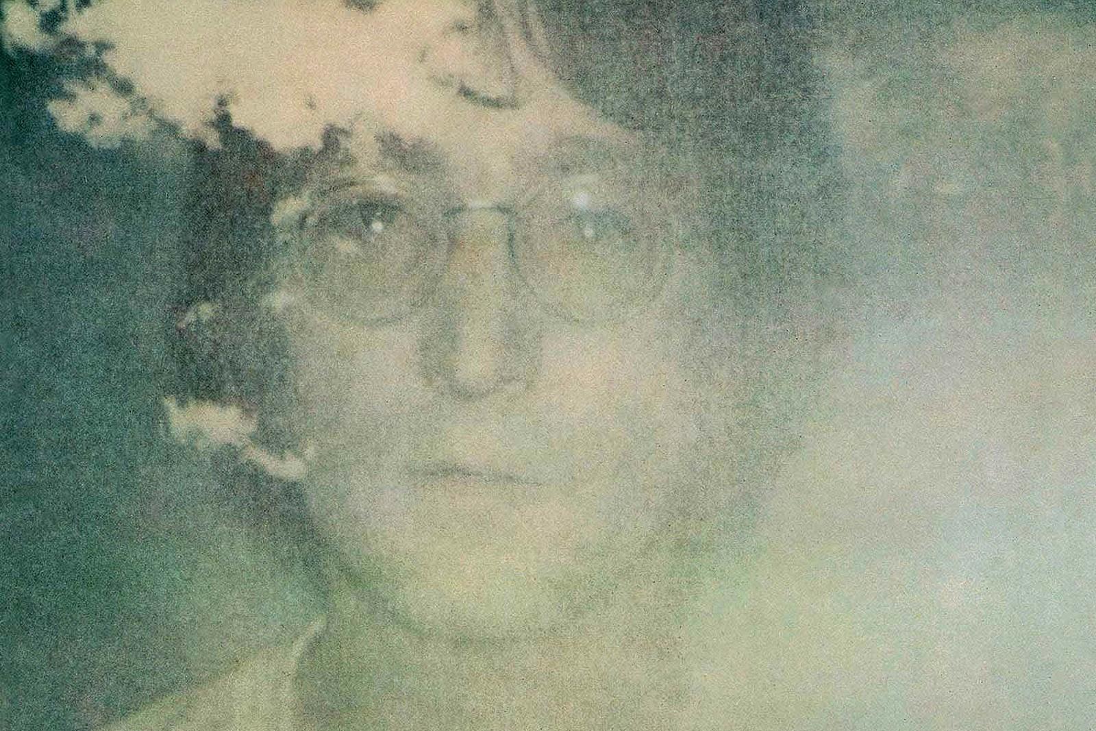 John lennon album cover with her wife naked