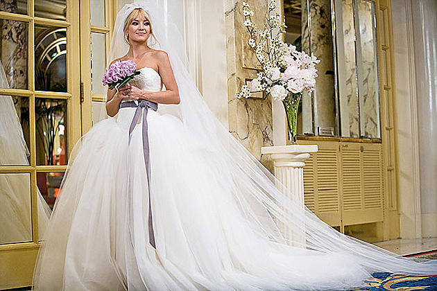 Kate Hudson S Bride Wars Wedding Dress Designer Vera