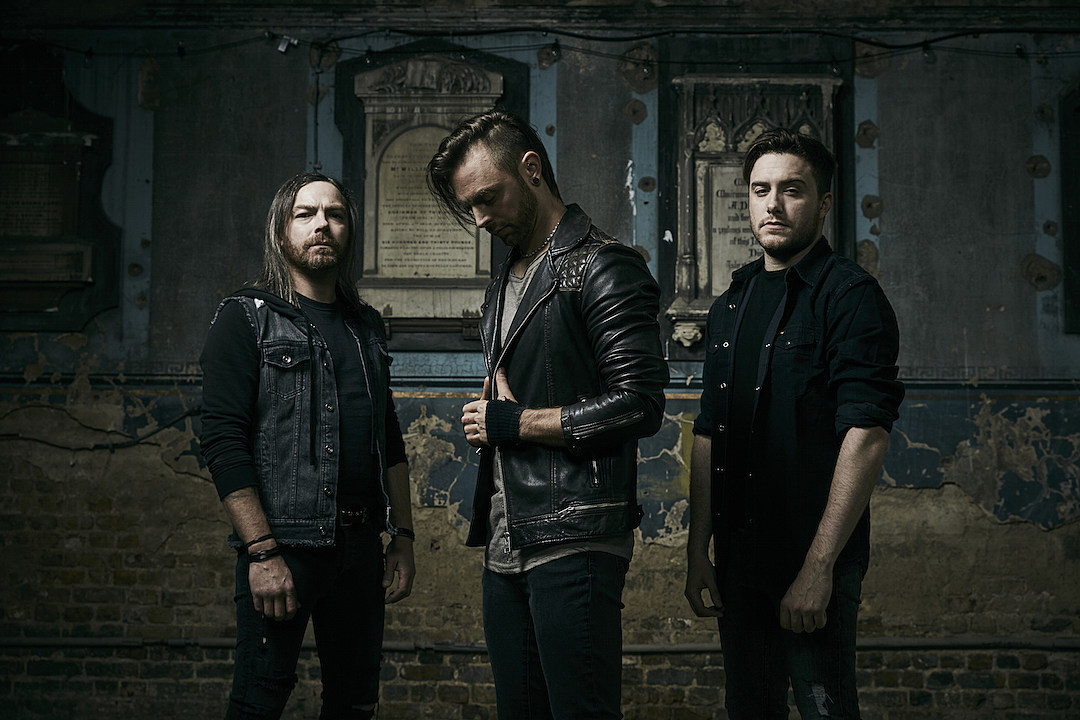 Bullet For My Valentine Offer Don T Need You Music Video