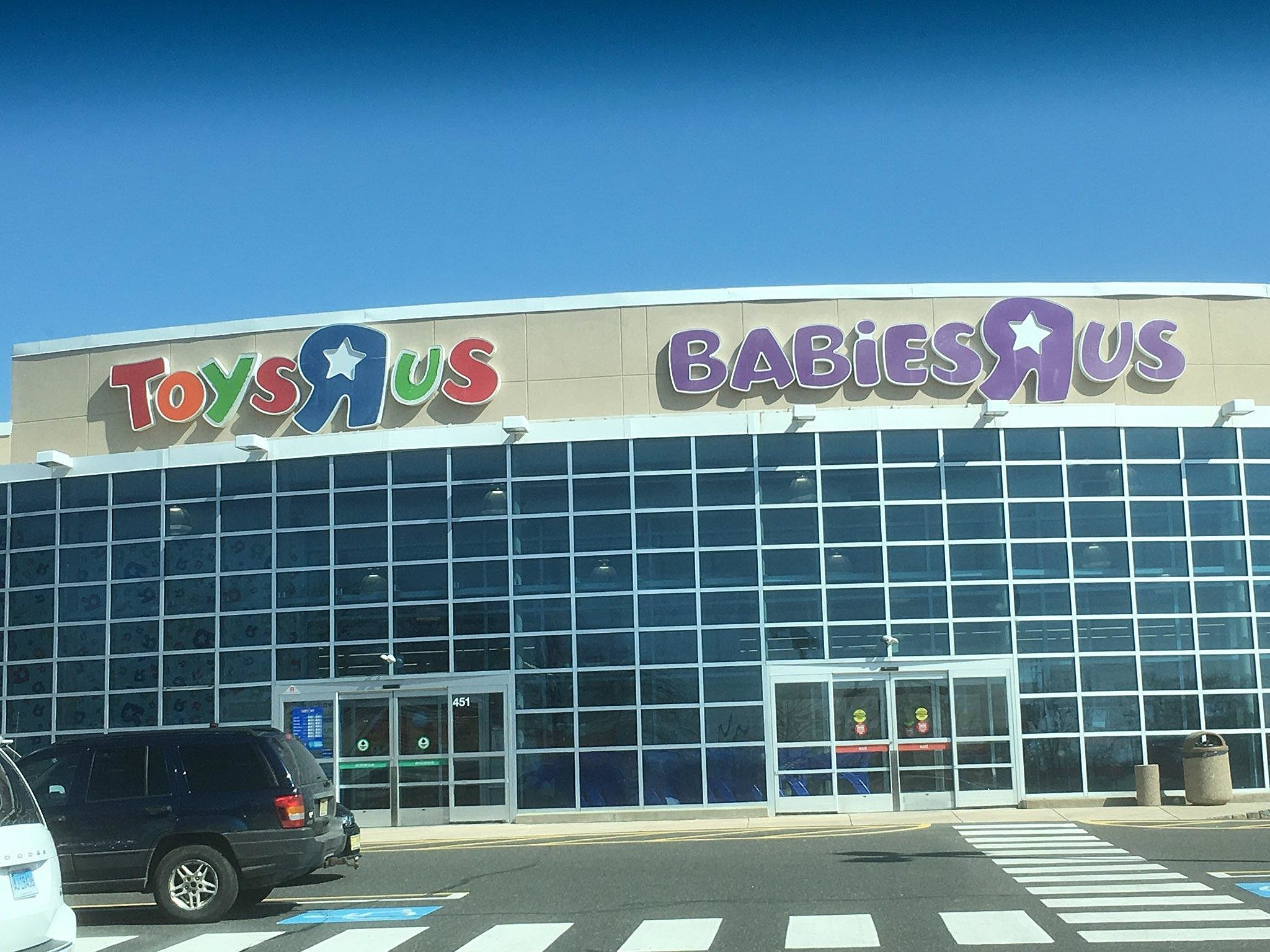 Toys R Us Could Be Coming Back