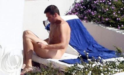 Tom brady naked photos