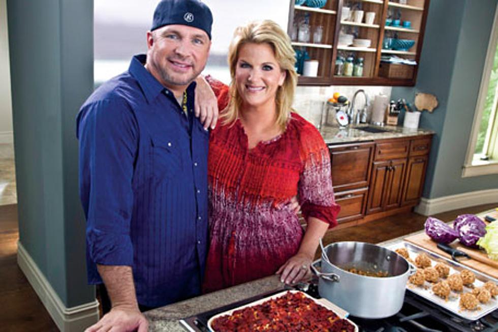Garth Brooks Trisha Yearwood Couple Cook Together On Trishas