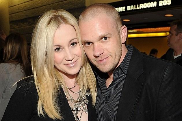 Who is kellie pickler dating 2013