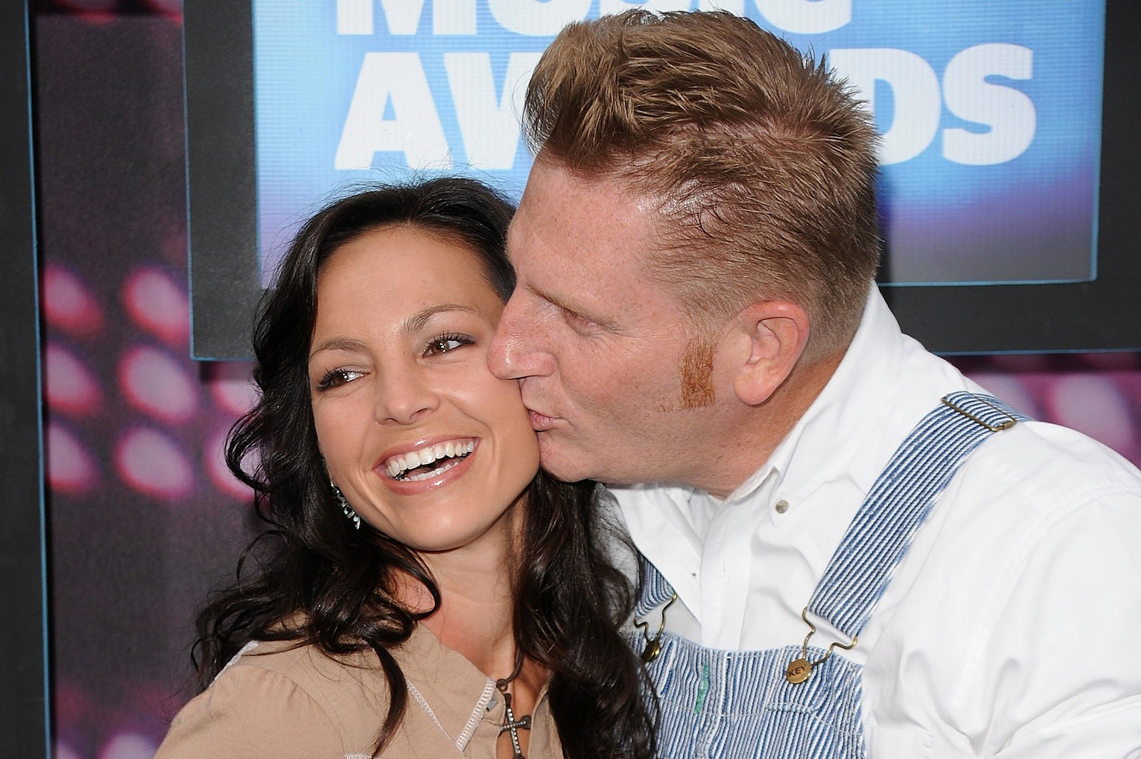 Joey + Rory Announce \'Hymns That Are Important to Us\' Album