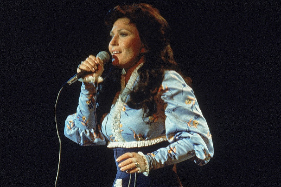 country music memories loretta lynn makes her opry debut
