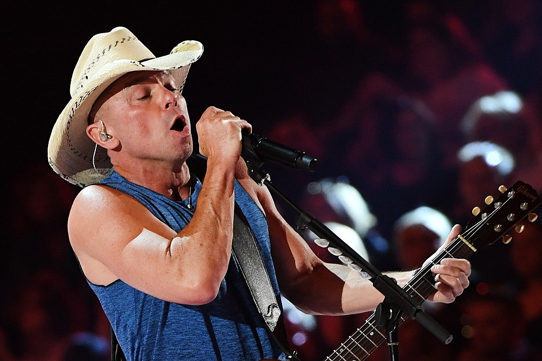 Kenny Chesney Asks 2018 ACM Awards Viewers to \'Get Along\'