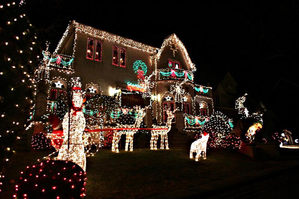 Traditional Christmas Lights Or Laser Displays? [VOTE]