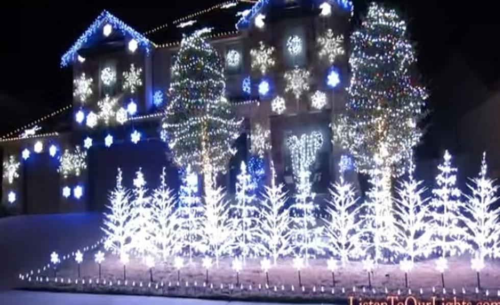 Incredible Christmas Light Show Set To Frozen's