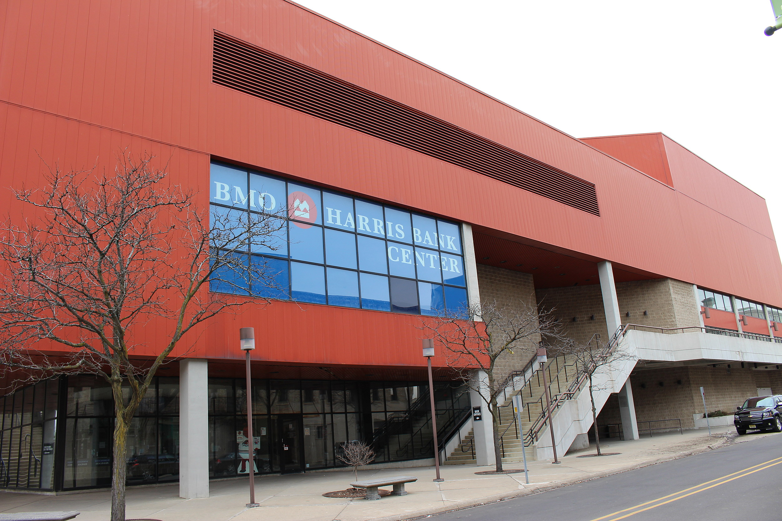 Rockford S Bmo Harris Bank Center Is Making Security Changes