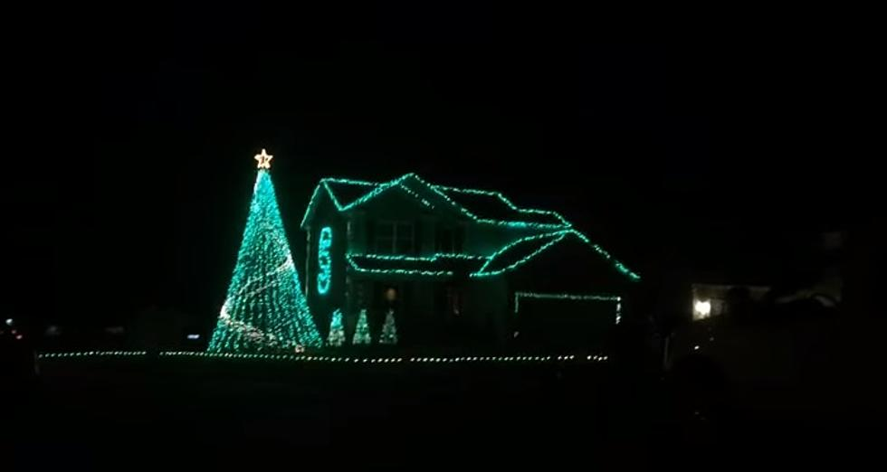 VIDEO: Mason Home's Epic Green and White Christmas Display Set to MSU Fight  Song - VIDEO: Mason Home's Epic Green And White Christmas Display Set To