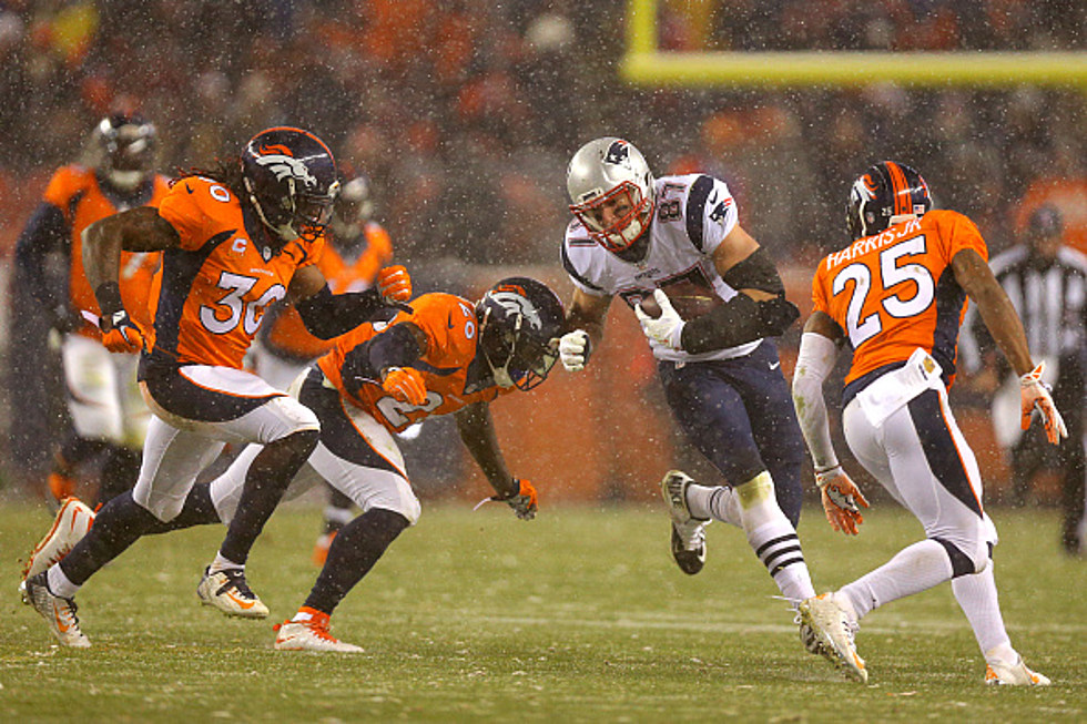 Gronk Roasts Entire Bronco S Team On Twitter After Chris Harris Says
