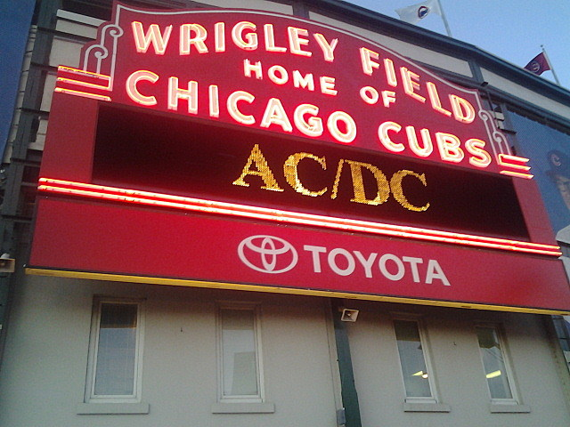 Check Out Klingers Photos And Video From The Acdc Concert In Chicago