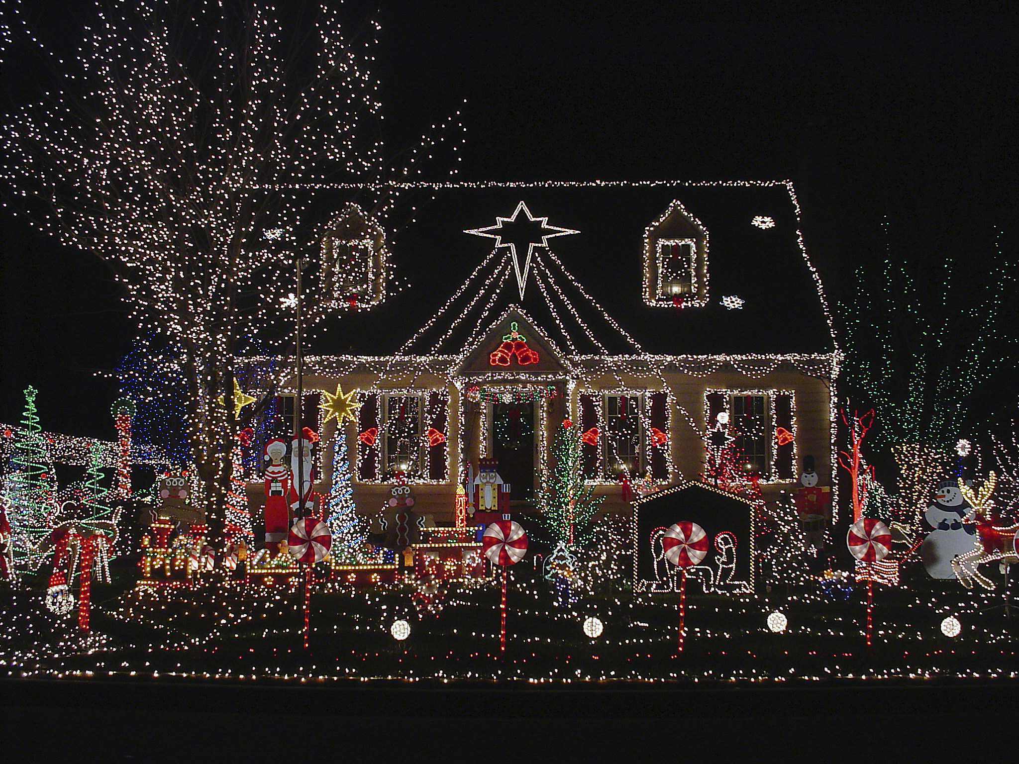 The Best Holiday Light Displays in the Quad Cities