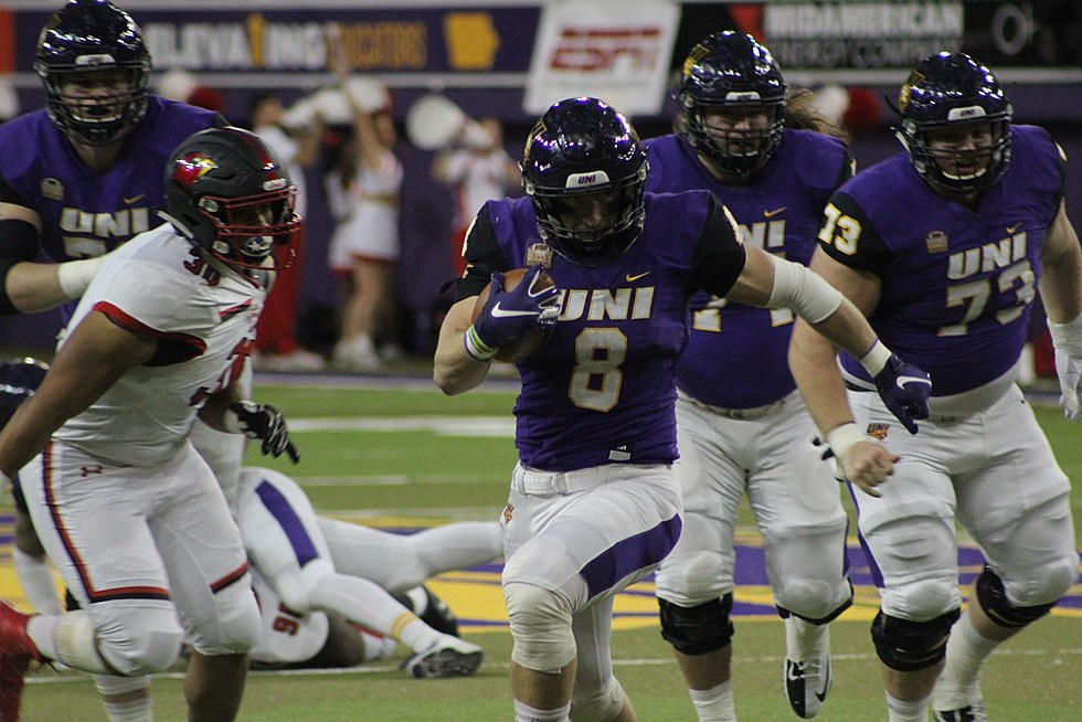 Uni Scores In State Football Talent On Signing Day