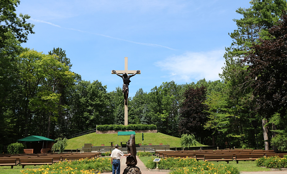 the worlds largest crucifix is in michigan and you can see it for free