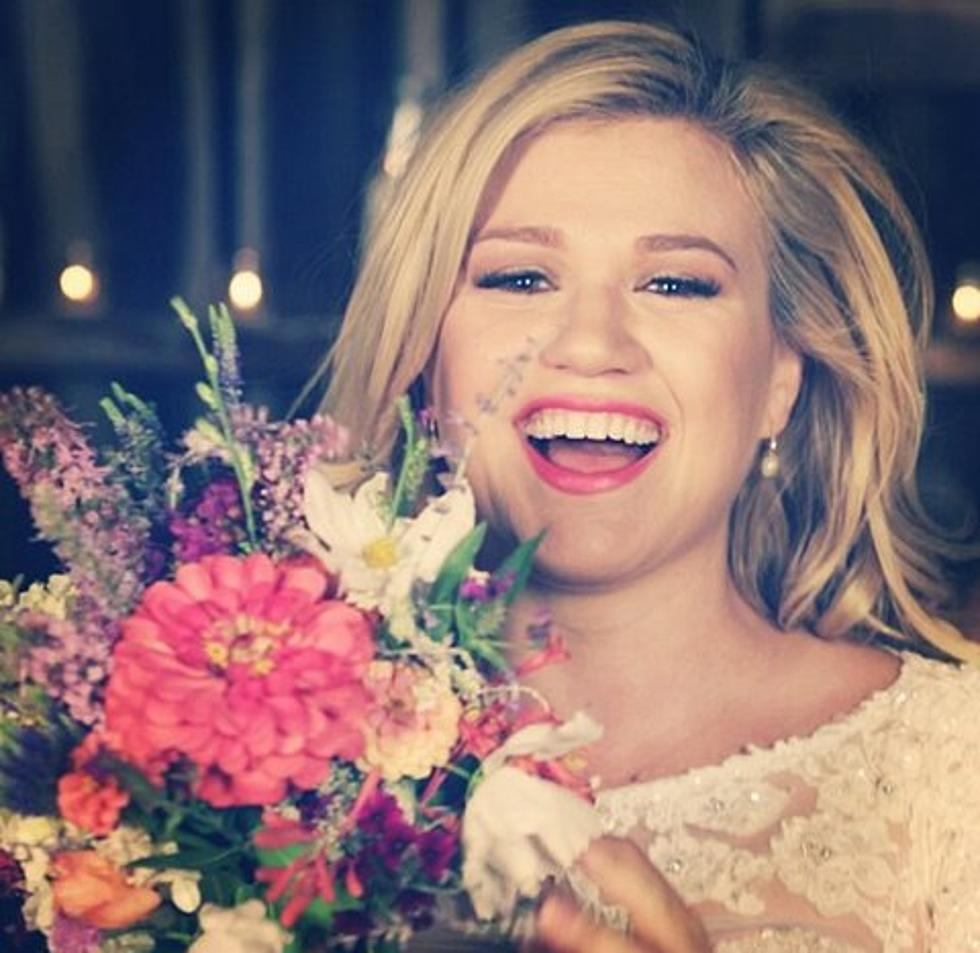 Kelly Clarkson Wedding.Rumor Has It Kelly Clarkson Is Married Check Out Pictures