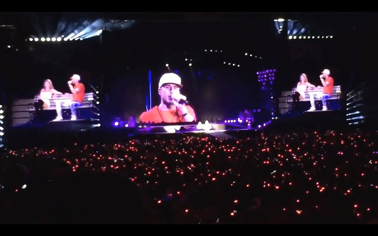 Sam Hunt Joins Taylor Swift At Soldier Field To Perform Take Your Time Video
