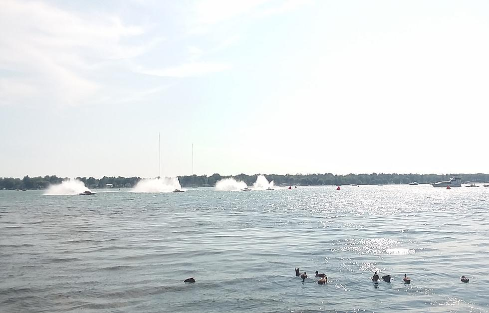 Thunder on the Niagara Boat Races Are Back
