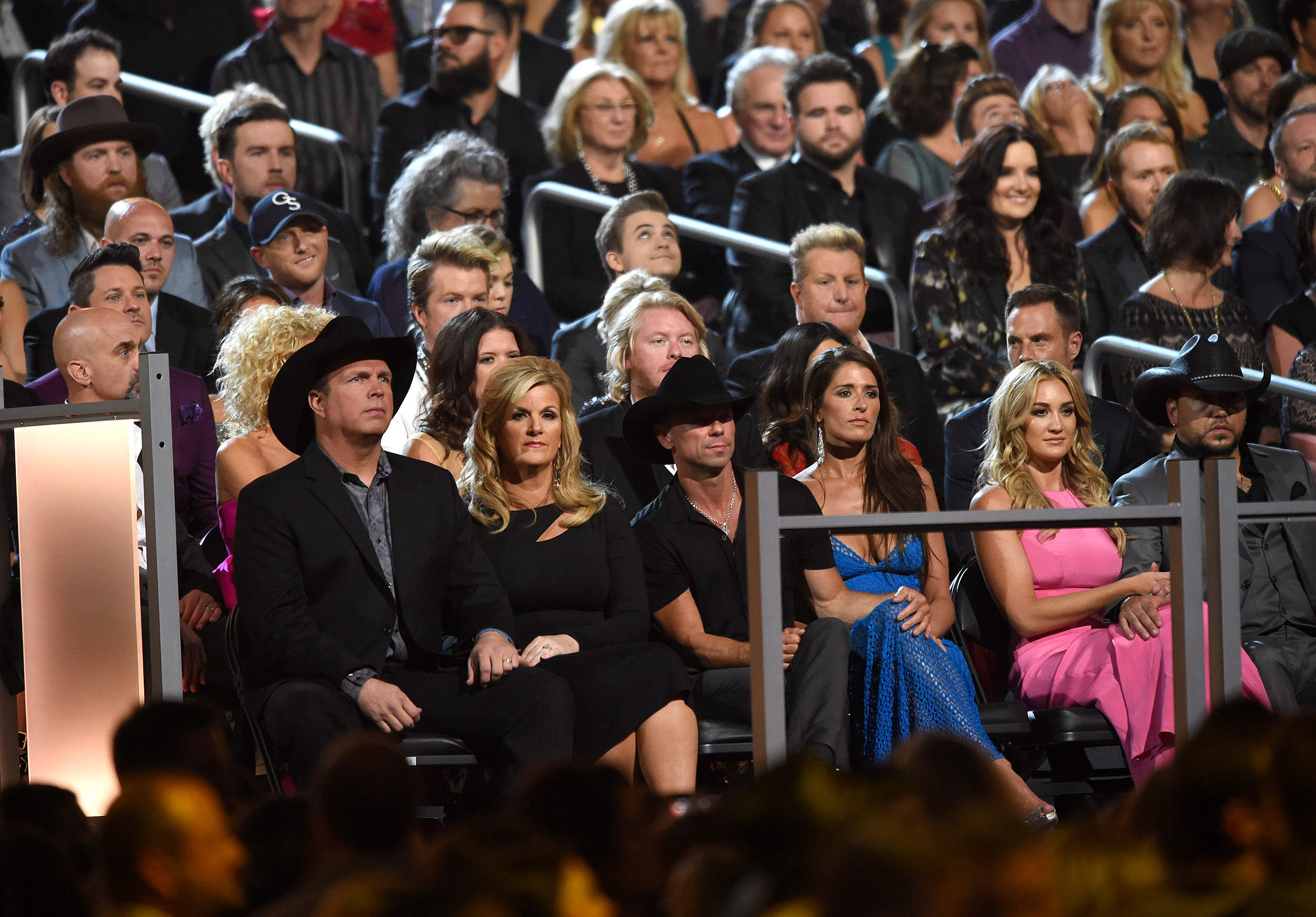 Kenny Chesney Ties Garth Brooks For Major Music Record