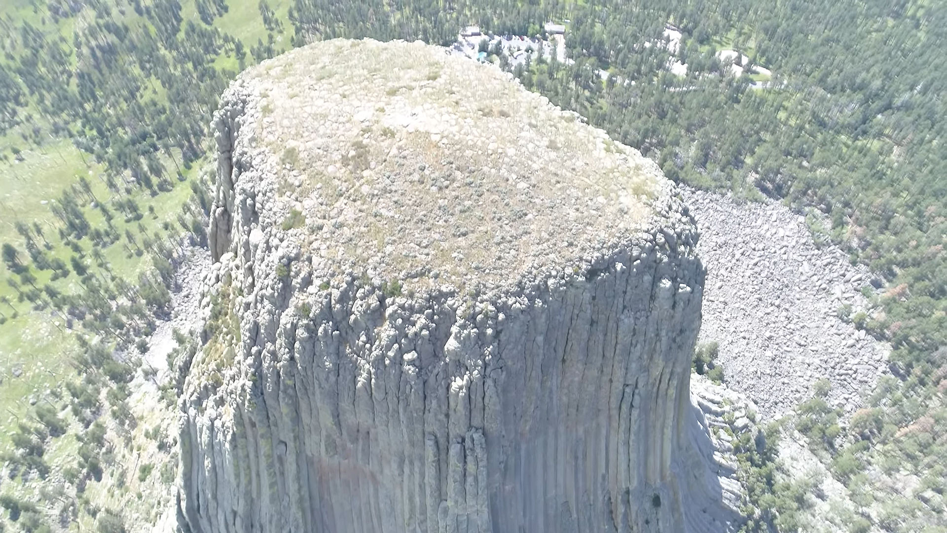 Devils Tower Wy >> New Drone Video Shows Top Of Devil S Tower But Is It Legal