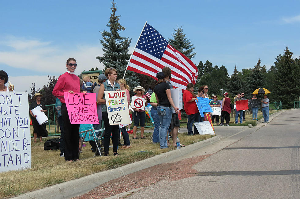 Peaceful Protesters Outnumber Wyoming Anti-Islam Group at