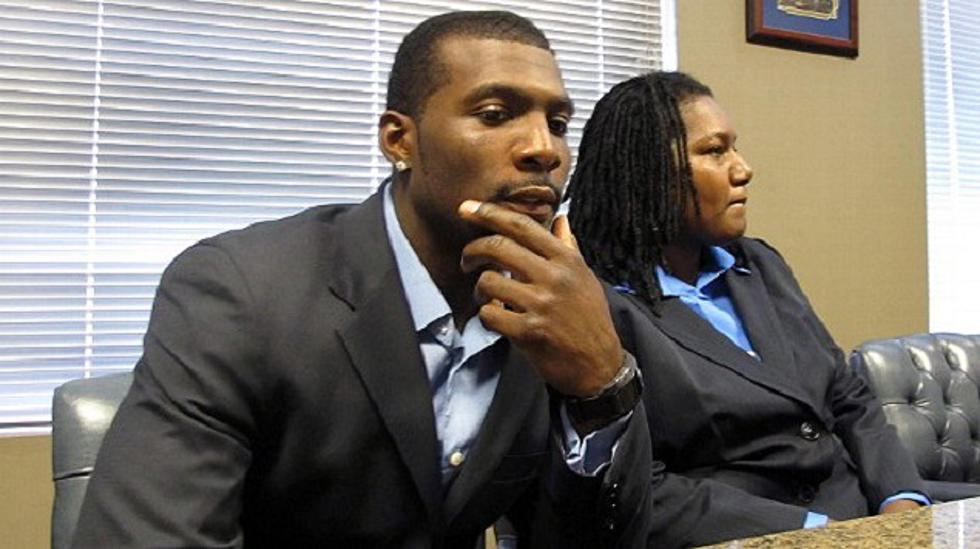 Dez Bryant S Mother Tells Police How He Violently Assaulted