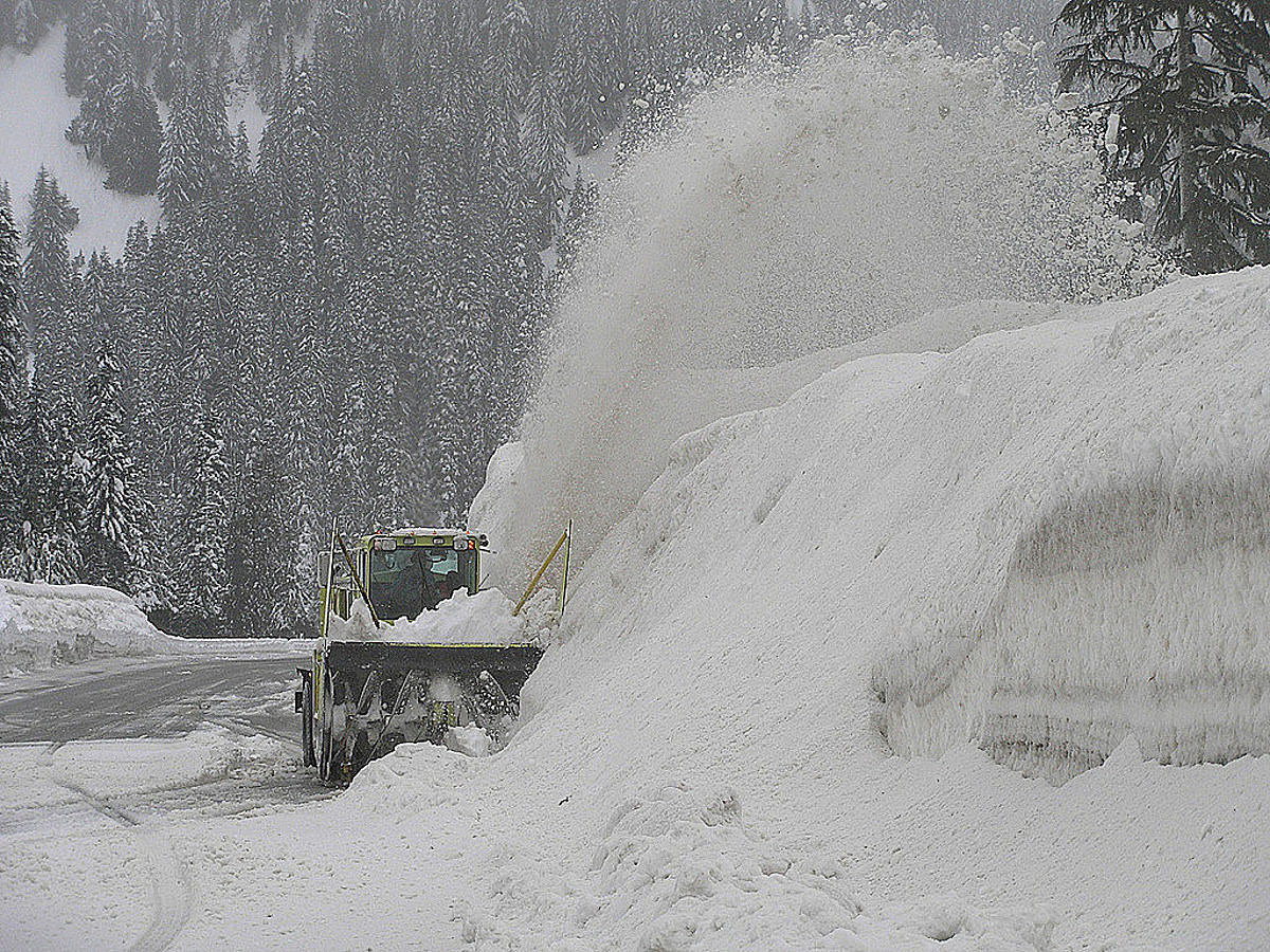 I-90 Over Snoqualmie Pass Closed All Day Tuesday