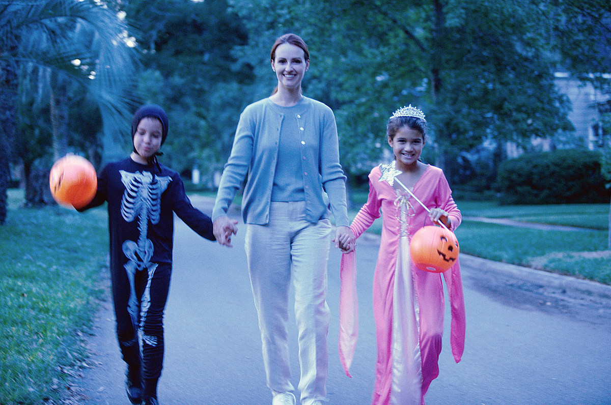 What Time Should People Stop Trick-or-Treating?