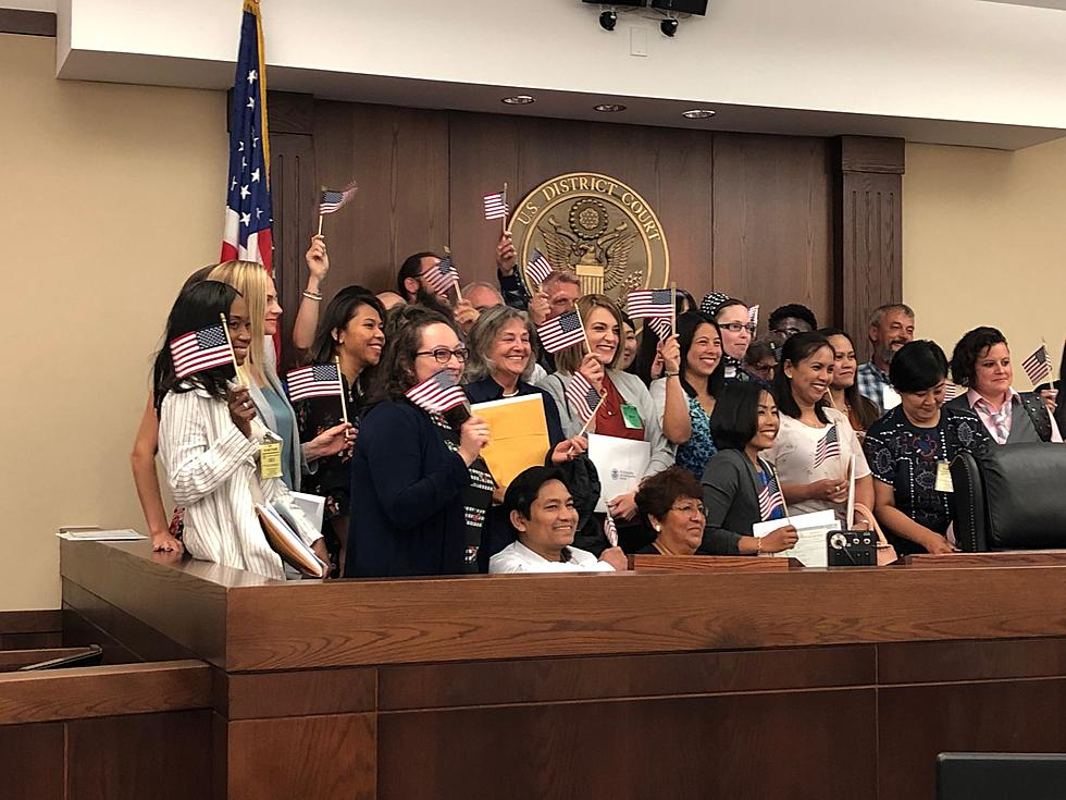 29 Become American Citizens in Naturalization Ceremony