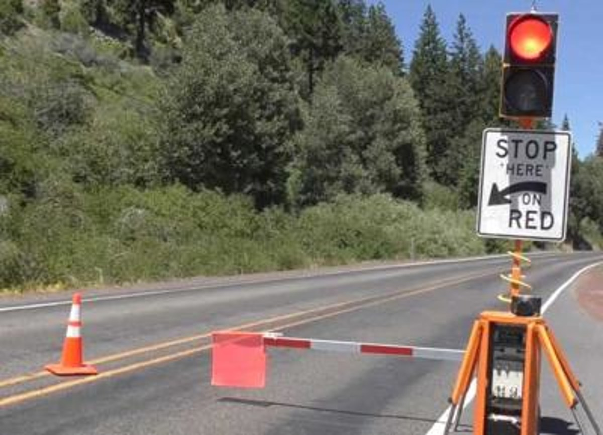 Robot Flaggers Will Be Deployed on Oregon Highways This Summer