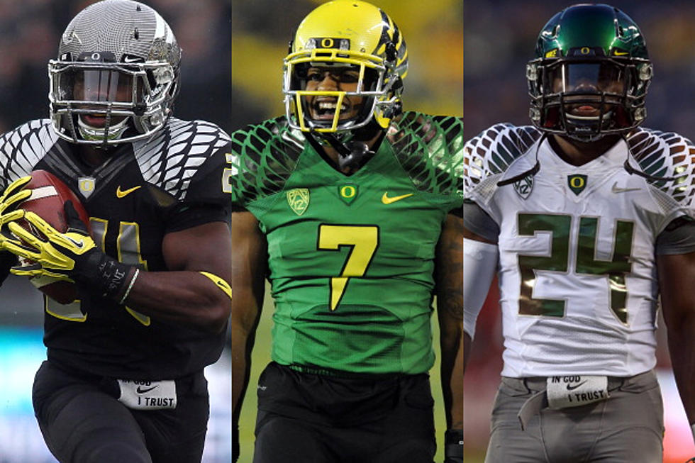 new concept e26f0 e14bb Nike Unveils the Latest University of Oregon Football Jersey ...